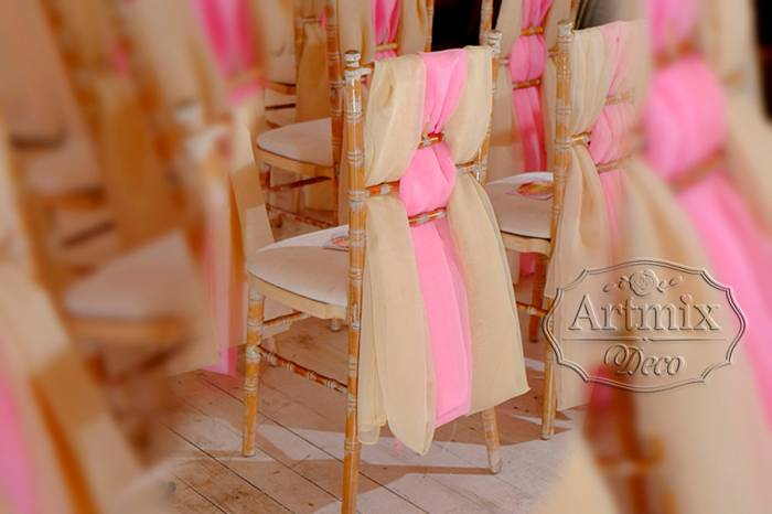 Свадебный декор стульев